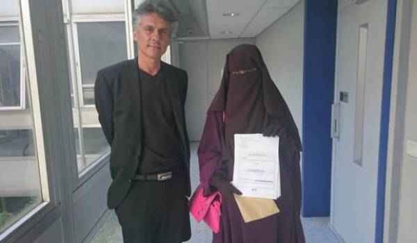 Rachid Nekkaz défend les femmes portant le niqb en France.