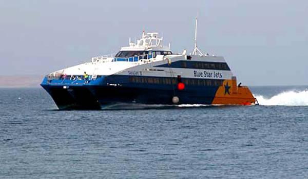 Les bateaux de transport de voyageurs sur la côte renforcent leur présence