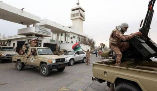 Les forces loyales au gouvernement contrôlent la façade maritime.