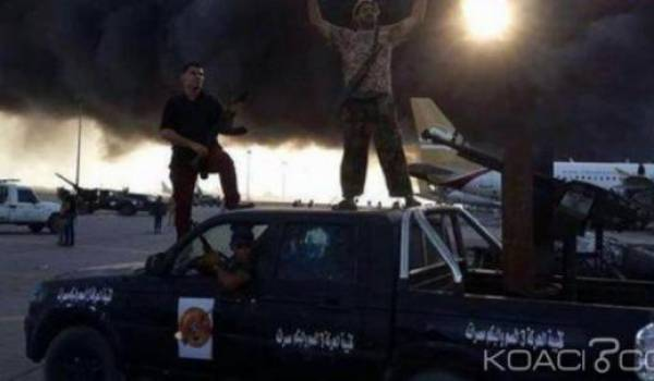 L'explosion d'un dépôt d'armes a fait une trentaine de victimes.