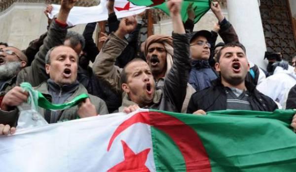 Toute manifestation est synonyme de complot de l'étranger pour le pouvoir.