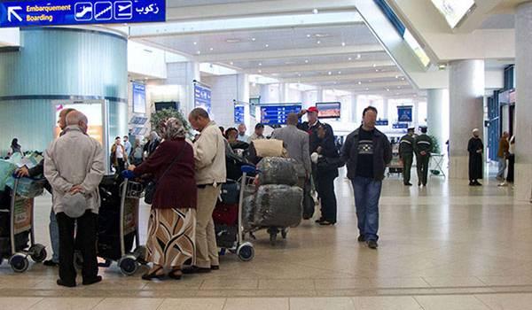 La carte d'identité pour rentrer en Algérie  est valable pour les Algériens.