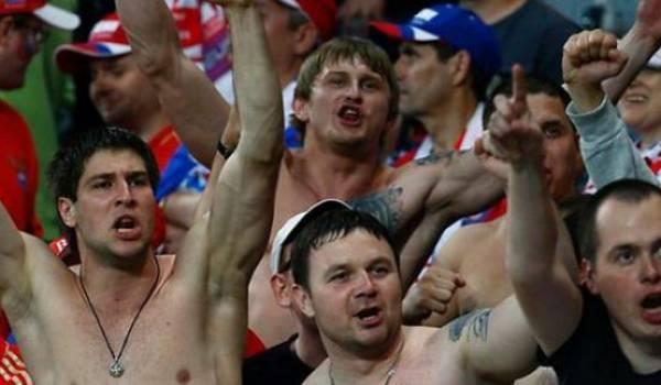 Les supporters russes pointés pour leur comportement.