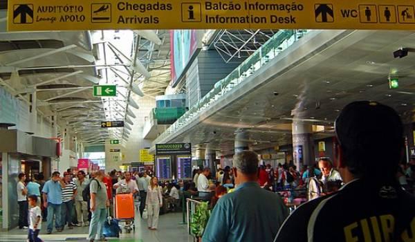 L'aéroport de Lisbonne.
