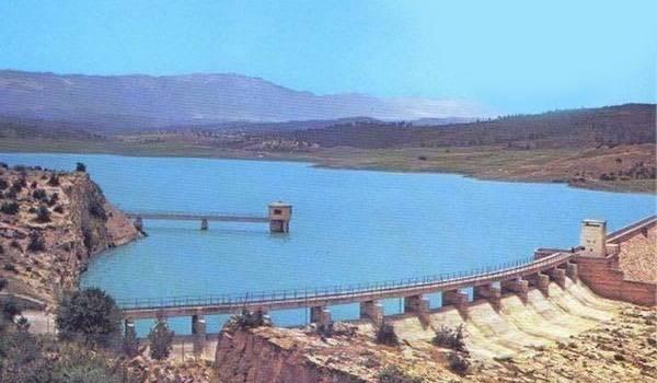 Des citoyens de Kaïs mobilisés pour sauver leur barrage.