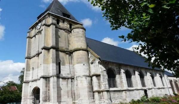 le prêtre, trois religieuses et deux fidèles pris en otage dans une église.