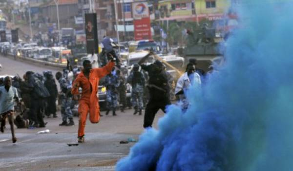 Les forces de l'ordre gabonaises ont violemment réprimé la marche de l'opposition.