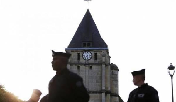 Les services de sécurité ont très vite intervenu après la prise d'otages mercredi dans cette église de Normandie.