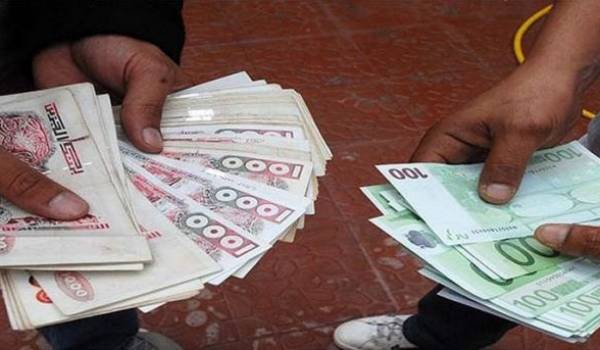 Fuites de capitaux : 140 millions d'euros enregistrés en Algérie en 2015