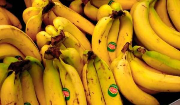 Qui est derrière l'importation de la banane et de la pomme ?