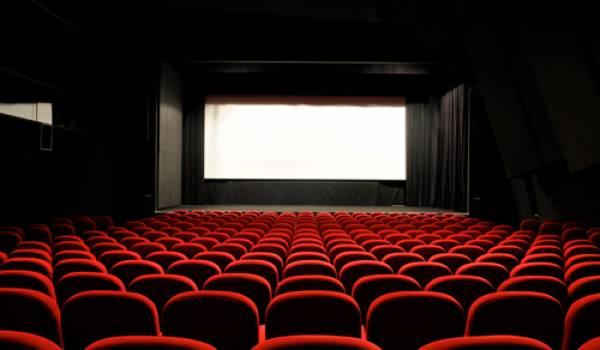 Désertées, abandonnées, rares sont les salles de cinémas viables en Algérie.