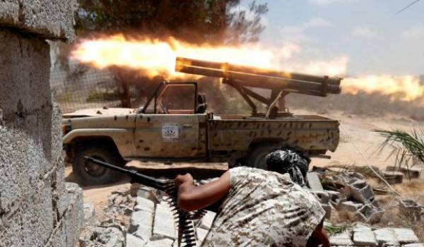 Les forces spéciales américaines apportent au sol leur soutien aux forces du GNA, selon le Washington post;