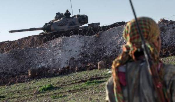 L'armée turque pénètre dans le territoire syrien.