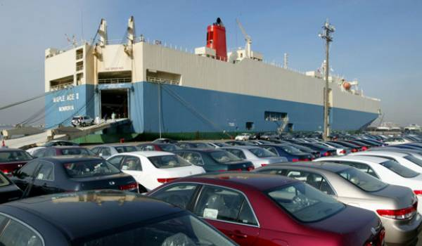 Chute de 68% des importations de véhicules.