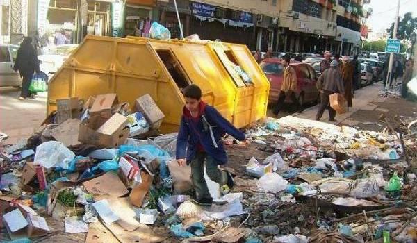 La saleté est partout dans l'espace public en Algérie