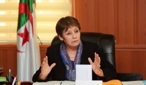 Face aux nombreux ratés, Nouria Benghebrit de plus en plus mal.
