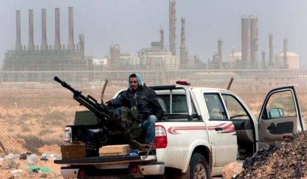 Reprise des combats pour le contrôle du pétrole libyen.