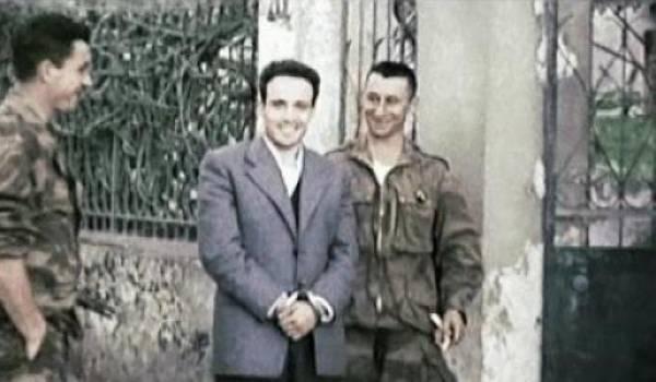 Larbi Ben M'hidi en mars 1957, aux mains de ses geôliers.
