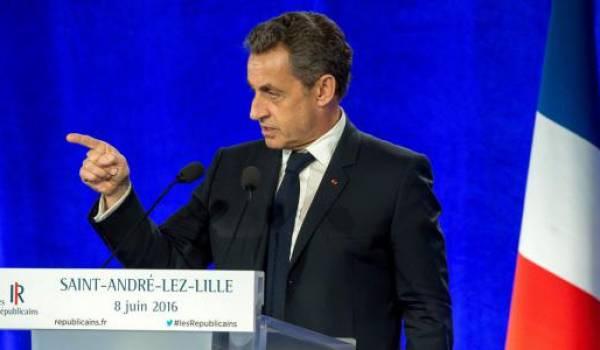Nicolas Sarkozy multiplie les surenchères sur l'identité nationale pour surclasser le FN. Photo AFP