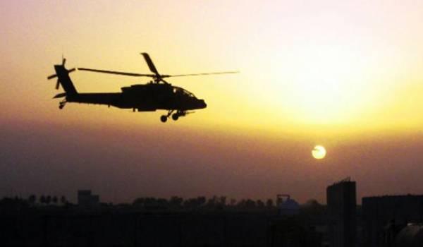Les militaires sont arrivés en hélicoptère.