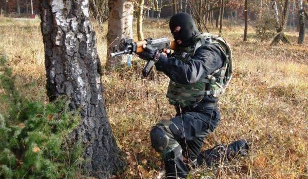 Les unités de l'ANP poursuivent la traque des terroristes.