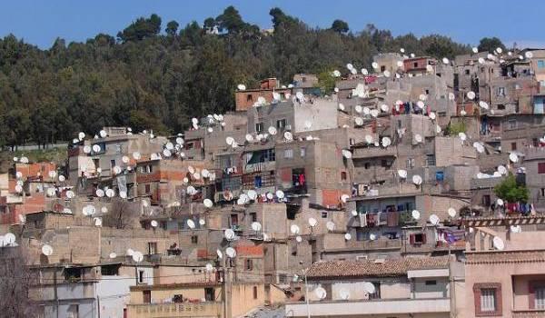 Outre l'urbanisation anarchique, les bidonvilles constituent un véritable chancre pour l'espace environnemental.