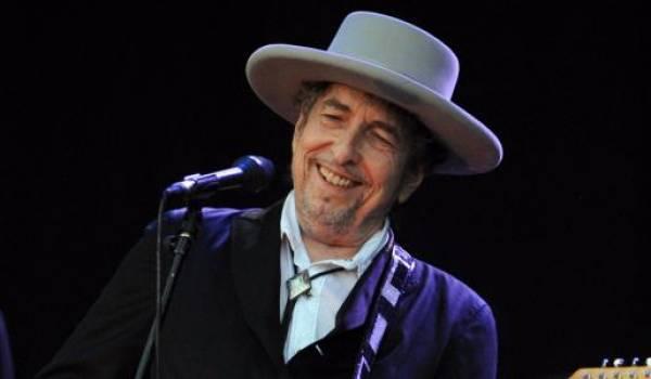 Bob Dylan garde le silence après le Nobel de littérature qui lui est octroyé. Photo AFP