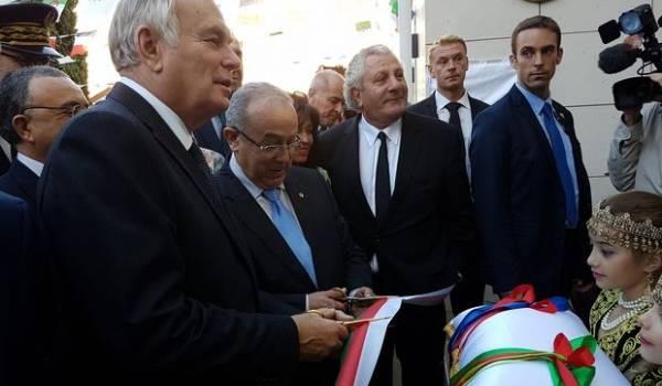 Le ministre des A.E.Ramtane Lamamra à l'inauguration du consulat avec Jean-Marc Ayrault, ministre des AE français.