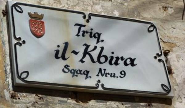 Nom de rue à Malte.