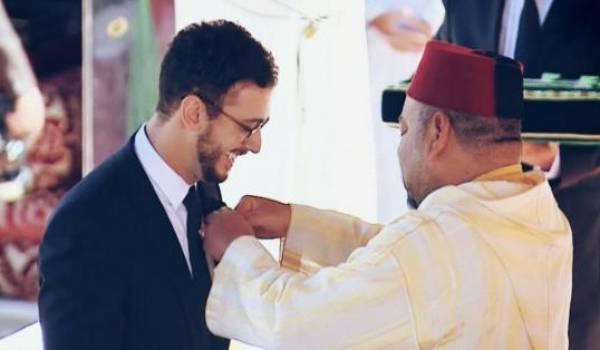 Saad Lamjarred n'est pas à sa première affaire de viol, selon les médias. Ici avec le roi du Maroc
