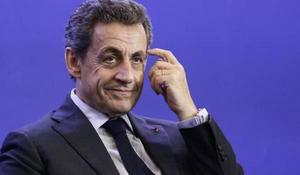 Nicolas Sarkozy droitise encore plus son discours.