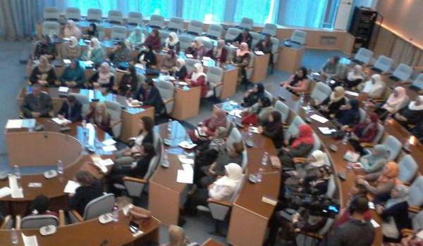 Plus d'une centaine de femmes étaient présentes lundi à Batna à la rencontre avec l'ambassadrice du Canada.