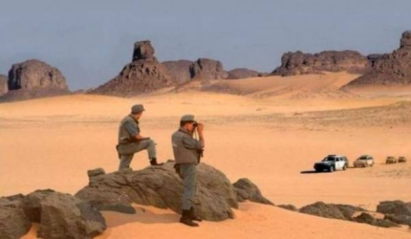 Quatre terroristes capitulent et se rendent à l'Armée à In Amenas