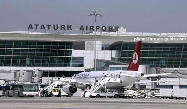 Fusillade à l'aéroport Atatürk d'Istanbul (Turquie)
