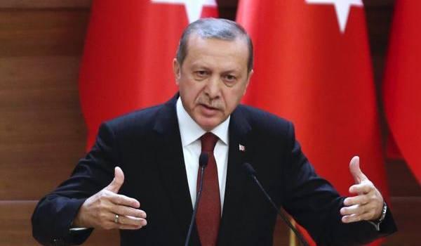 Le président Erdogan dirige d'une main de fer la Turquie.