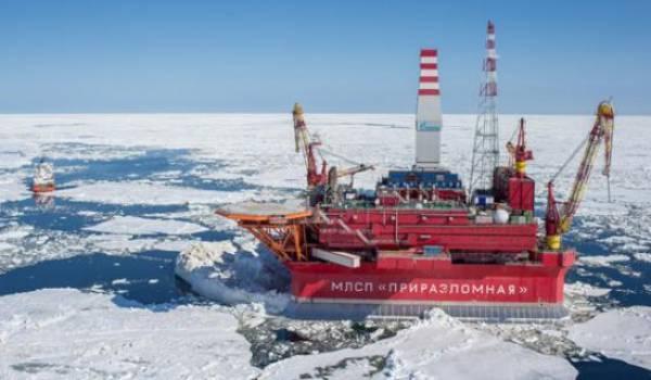 """La Russie se dit disposée à des """"sacrifices"""" pour faire baisser le cours du pétrole."""