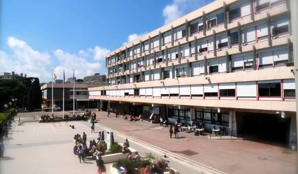 Campus Carlone deIl n'avait que 1700 euros à son arrivée.