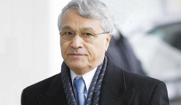 Ouyahia révèle que Chakib Khelil a bénéficié d'un «non lieu» de la justice algérienne