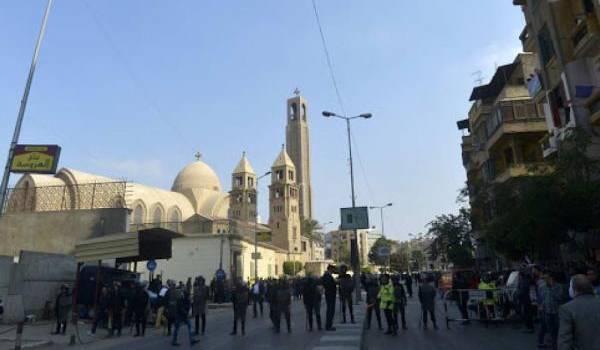 Au moins 25 morts dans l'attentat à la bombe visant une église copte au Caire