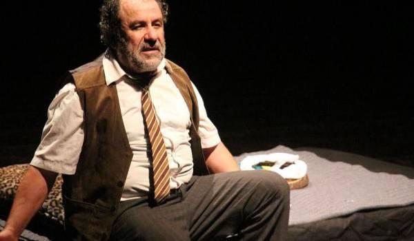 """""""Aghmis u meslub"""" de Debza, ou le retour au pur théâtre katébien"""