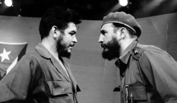 Fidel Castro et Che Guevara, deux visions de la révolution socialiste.