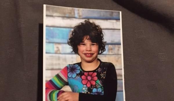 La photo de la jeune fille.