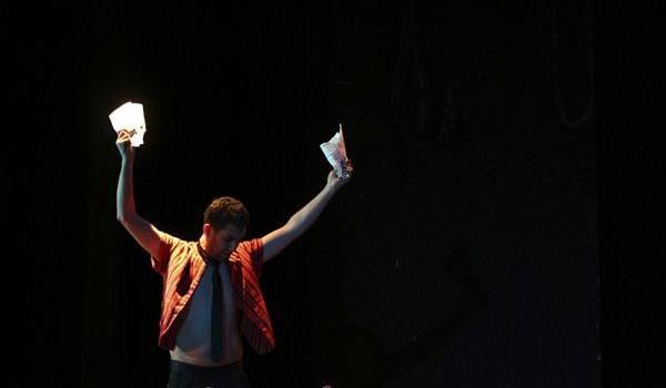 Scène de la pièce de l'association Machahu d'Iferhounène (Tizi Ouzou) qui a remporté le prix de la meilleure œuvre complète