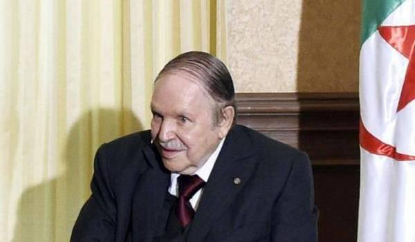 La transition est renvoyée aux calendes grecques par le président et son clan.
