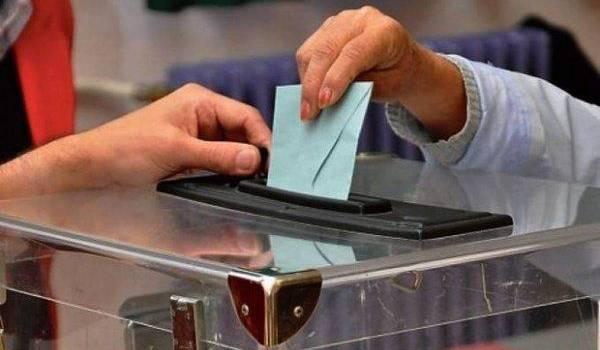 Les partis sont incapables de dépasser l'enjeu électoral.