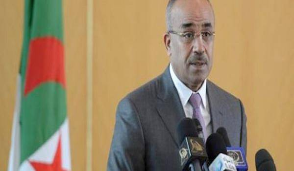 Nourreddine Bedoui, ministre de l'Intérieur.