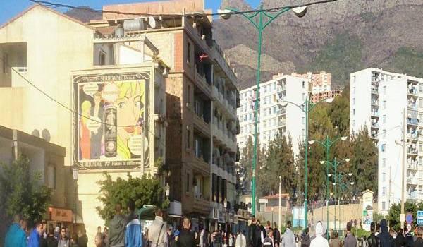 Pneus brûlés, barricades, Bejaia dans les émeutes.