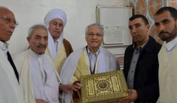 Chakib Khelil au cours de sa tournée dans les zaouïas.