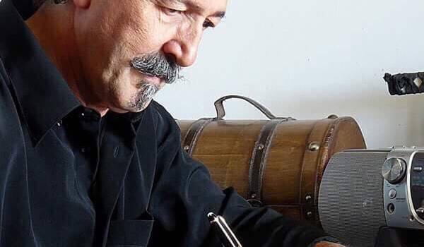 Lounis Aït Menguellet célèbrera un demi-siècle de chansons en 2017. Crédit photo : aitmenguellet.net