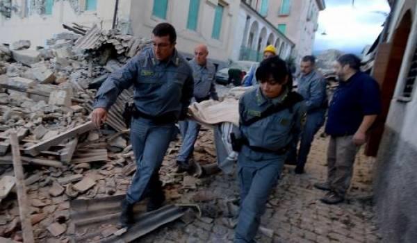 L'Italie a été secoué par un violent séisme l'été dernier faisant des dizaines de mots